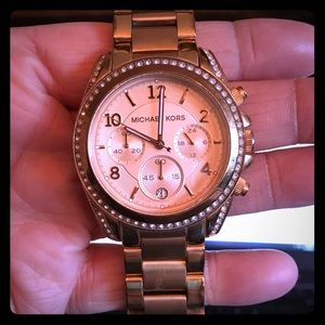 PREOWNED MICHAEL KORS WOMENS ROSE GOLD WATCH